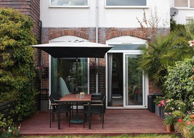outdoor dining area Chiswick design project, Ben Rousseau